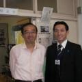 杉並区立和田中の「よのなか科」視察後に、藤原和博校長と。