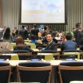 国際連合内会議室にて